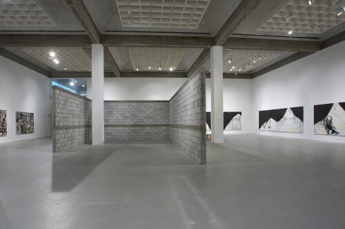 קיר בלוקים מוזיאון תל אביב ציבי גבע