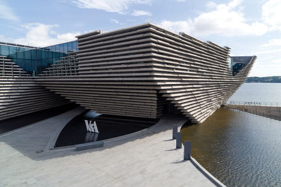 304_mu_hm_v_and_a_dundee_new_03