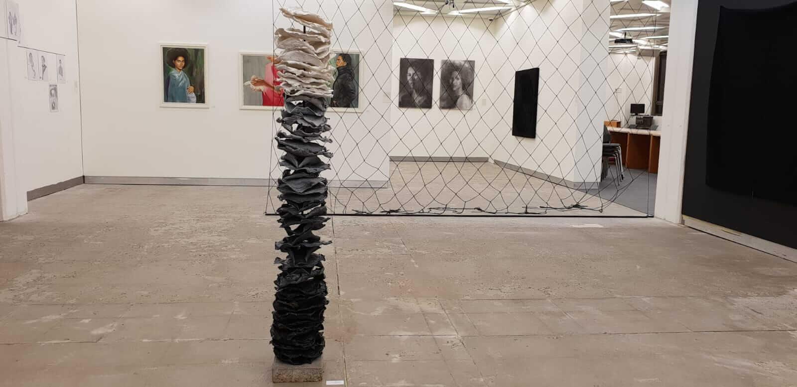 זוודיתו יוסף סרי, מראה הצבה בתערוכה