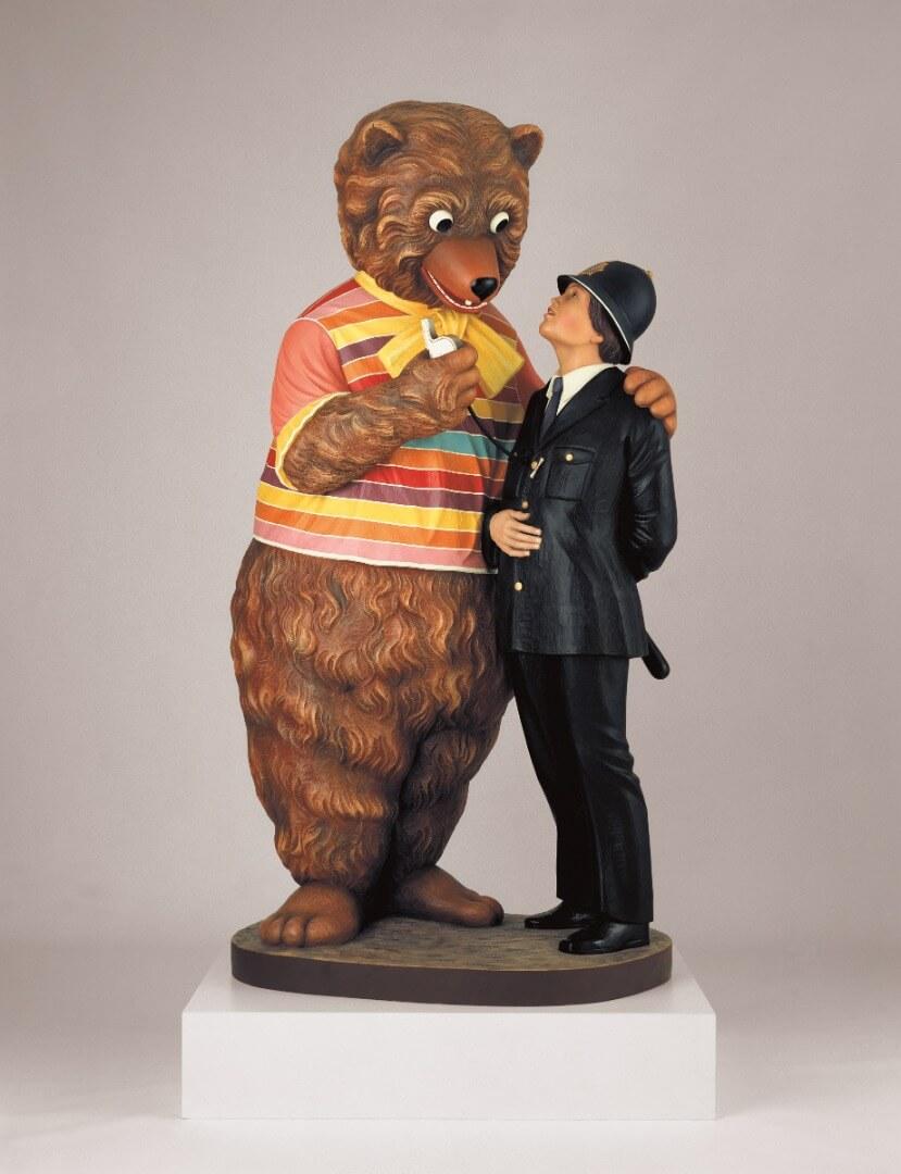 Bear and Policeman, 1988 © Jeff Koons