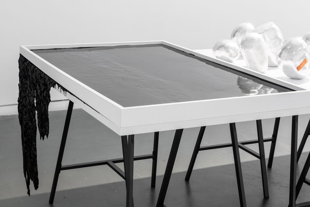 לימור צרור, שולחן עבודה, 2020